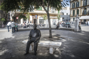 Picasso-Statue-in-Plaza-de-la-Merced-Near-Birth-Place