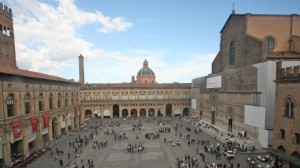 1245968-piazza_maggiore